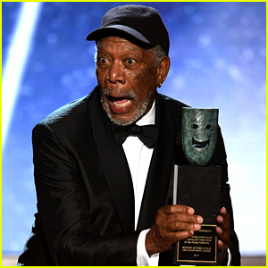 Morgan Freeman Accepts the Lifetime Acheivement Award at SAG Awards 2018 - Watch Now!
