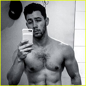 Nick Jonas Is As Hot As Ever In This Shirtless Selfie!