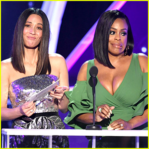 Olivia Munn & Niecy Nash Call Out SAG Awards for Lack of Asian Nominees