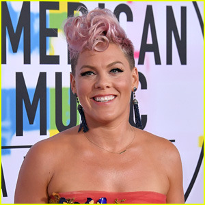 Pink Singing National Anthem at Super Bowl 2018!