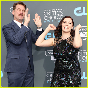 Crazy Ex-Girlfriend's Rachel Bloom Hams It Up with Pete Gardner at Critics' Choice Awards 2018!