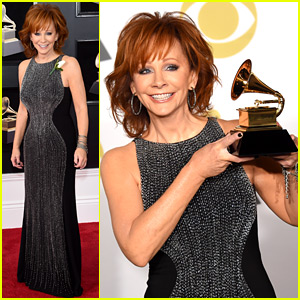 Reba McEntire Is an Early Winner at Grammys 2018!
