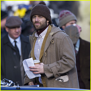 Outlander's Richard Rankin Gets to Work on Set!