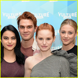 'Riverdale' Cast Doing 'Carrie: The Musical' Episode!