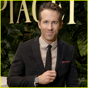 Ryan Reynolds Signs on to Produce 'Clue' Movie