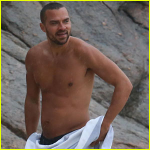 Shirtless Jesse Williams Shows Off His Abs on the Beach