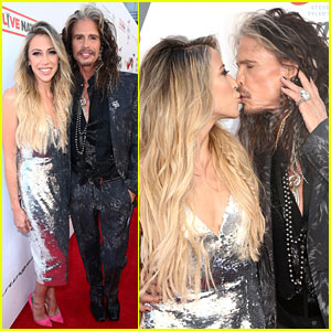 Steven Tyler & Girlfriend Aimee Preston Share a Smooch at Grammy Viewing Party