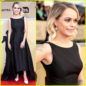 Taryn Manning Slams Stylist for Putting Her in $200 Dress at SAG Awards 2018