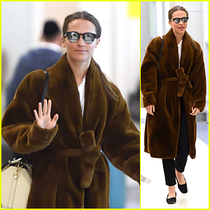 Alicia Vikander Bundles Up While Arriving in New York City!