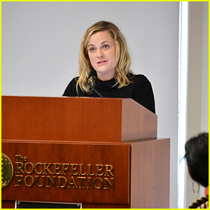 Amy Poehler Speaks Out in Support of Tipped Workers at One Fair Wage Event!