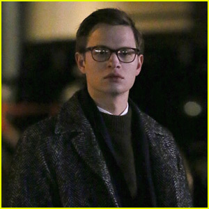 Ansel Elgort Gets Into Character on 'The Goldfinch' Set
