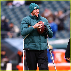 Where Is Carson Wentz? Eagles Starting Quarterback Won't Play in Super Bowl 2018