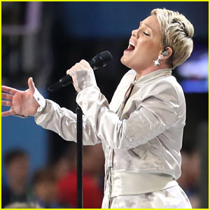 Celeb's Praise Pink's Super Bowl Performance With The Flu