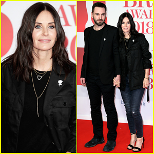 Courteney Cox Supports Fiance Johnny McDaid at Brit Awards 2018!
