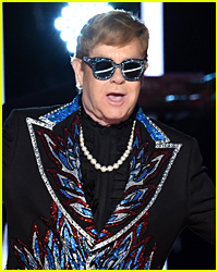 Elton John Keeps Performing After Getting Hit in the Mouth by Fan With Beads