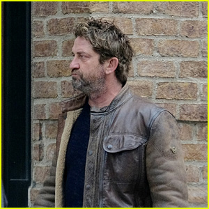 Gerard Butler Strolls Around Town in New York City!