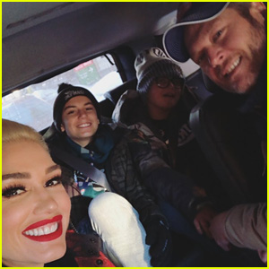 Gwen Stefani & Blake Shelton Attend Super Bowl 2018 with Her Kids!