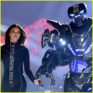 Irina Shayk Opens Philipp Plein NYFW Show with a Robot!