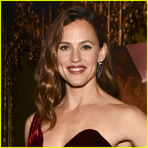 Jennifer Garner Returning to 'TV' in HBO's 'Camping' From Lena Dunham
