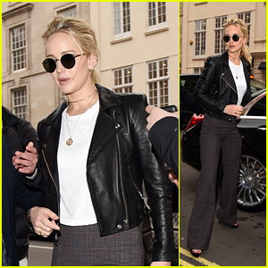 Jennifer Lawrence Looks Stylish While Stepping Out in New York City!