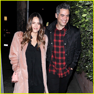 Jessica Alba & Cash Warren Head Out for a Romantic Valentine's Day Dinner!