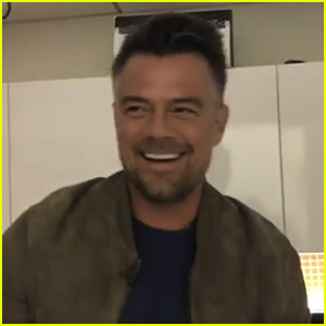 Josh Duhamel Caught a Mouse in the 'Today Show' Green Room (Video)
