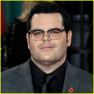 Josh Gad Pays Tribute to Friend Whose Son Died in Florida School Shooting