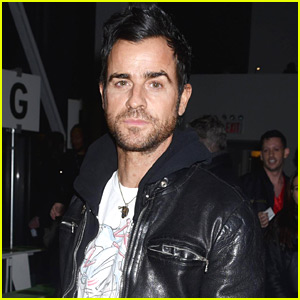 Justin Theroux Looks So Handsome at Adam Selman NYFW Show!