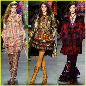 Kaia Gerber Joins Gigi & Bella Hadid in Anna Sui NYFW Show