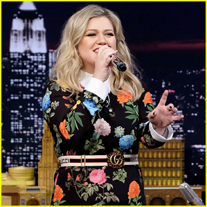 Kelly Clarkson Belts Out Google Translate Version of 'Stronger' on 'Tonight Show' - Watch Here!
