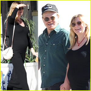 Kirsten Dunst Puts Baby Bump on Display in Skintight Dress!