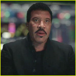 Lionel Richie Stars In TD Ameritrade Super Bowl Commercial 2018 - Watch!