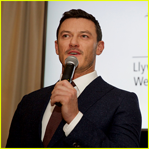 Luke Evans Celebrates Wales at St. David's Day Celebration in NYC!