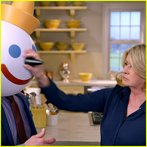 Martha Stewart's Jack in the Box Super Bowl Commercial 2018 - Watch Now!