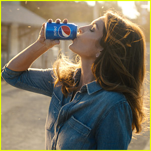 Pepsi Super Bowl Commercial 2018 with Cindy Crawford & More - Watch Now!