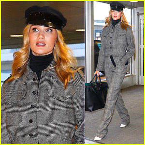 Rosie Huntington-Whiteley Jets Out of NYC in Style!