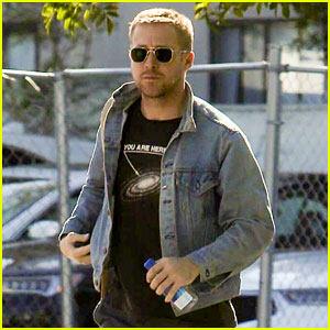 Ryan Gosling Looks Handsome While Heading to a Boxing Gym