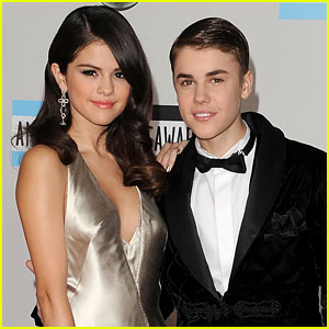 Justin Bieber & Selena Gomez Spend Sunday Funday Poolside