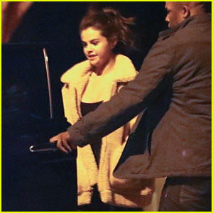 Selena Gomez Looks Happy After Late Night at Justin Bieber's