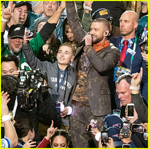 Super Bowl 2018 'Selfie Kid' Scores Another Huge Gift Because of His Sweatshirt!
