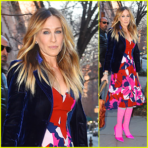 Sarah Jessica Parker Looks Pretty in Pink in New York City!