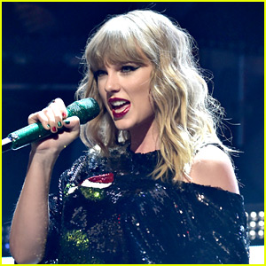 Taylor Swift Shares New Spotify Playlist of Songs She Loves!