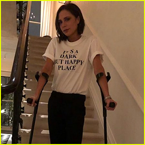 Victoria Beckham Poses in Crutches & a Boot After Suffering a Stress Fracture in Her Foot!