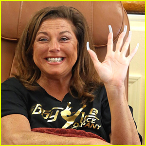 Abby Lee Miller Gets Pampered at a Nail Salon After Getting Out of Jail!