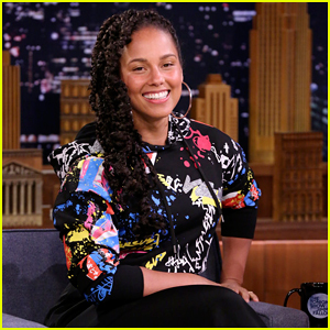 Alicia Keys Plays Hilarious Round of 'The Whisper Challenge' on 'The Tonight Show' - Watch Here!