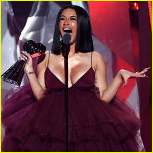 Cardi B Reveals New Album Details at iHeartRadio Music Awards 2018! (Video)