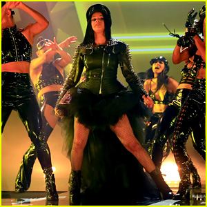 Cardi B Opens iHeartRadio Music Awards 2018 With Medley Performance - Watch Now!