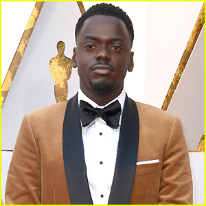 Nominee Daniel Kaluuya Looks Handsome on the Red Carpet at Oscars 2018