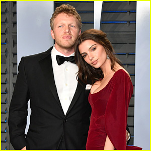 Emily Ratajkowski New Husband Sebastian Bear Mcclard Attend Vanity Fairs Oscars Party
