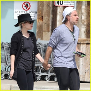 Lady Gaga & Boyfriend Christian Carino Go Grocery Shopping Together in Malibu!